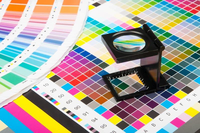 Färgledning i tryckproduktion arkivfoton