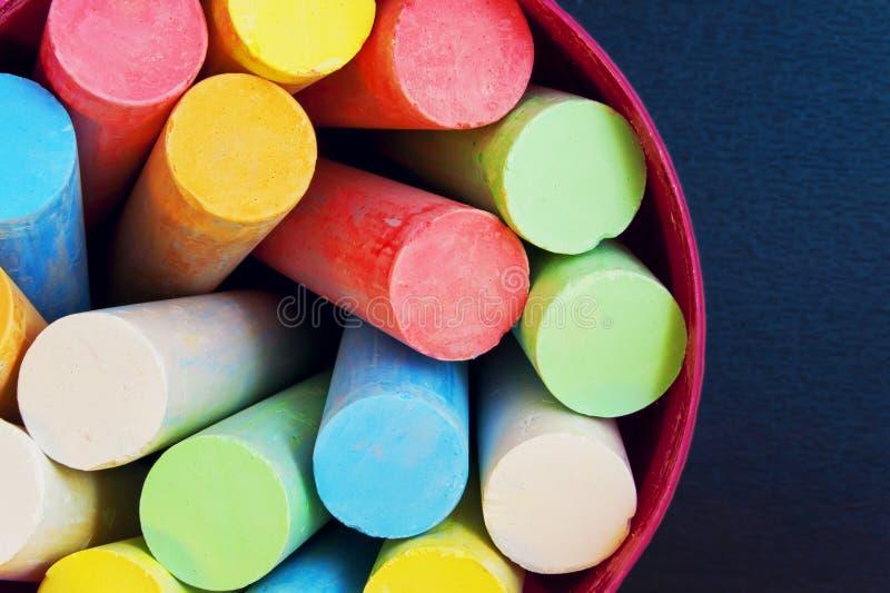 Färgpennor för att dra i en bästa sikt för hink arkivbilder