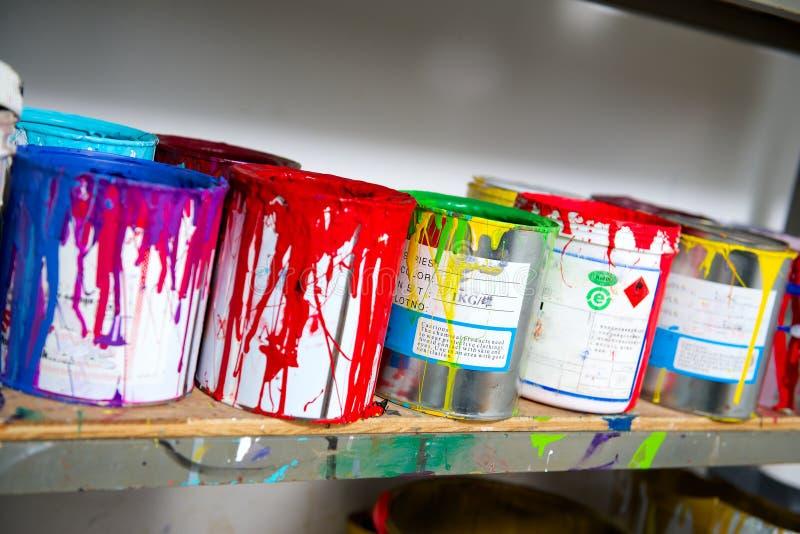 Färgpulver för silkscreenprinting royaltyfria bilder