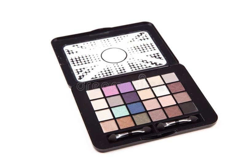 färgrik ögonskugga Closeupsidosikt av den kosmetiska paletten för makeup som isoleras på vit bakgrund, grunt djup av fältet fotografering för bildbyråer