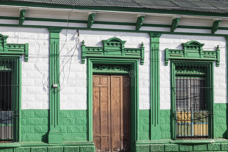 Färgrik arkitektur av Ahuachapan royaltyfria bilder