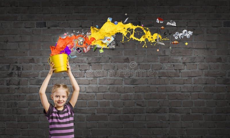 Färgrik barndom! arkivbilder