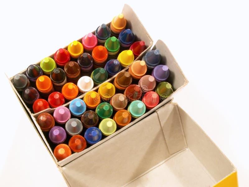 färgrik crayon för ask fotografering för bildbyråer