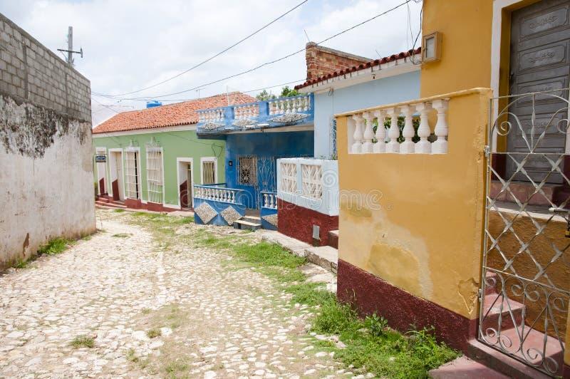 Färgrik gata - Trinidad - Kuba arkivbild