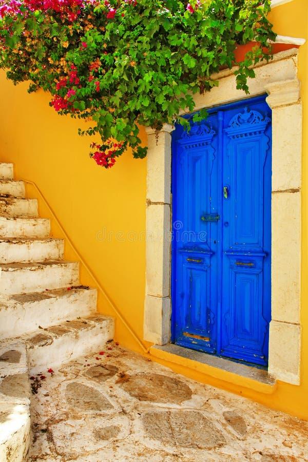 Färgrik Grekland serie - Symi ögator arkivfoton