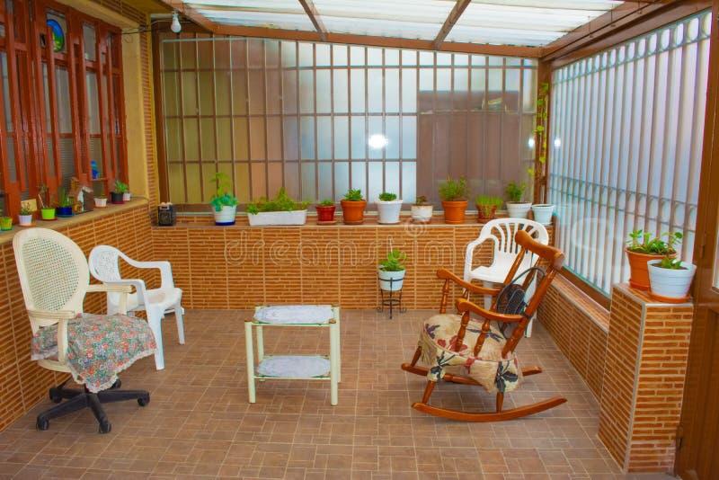 Färgrik hem- trädgård royaltyfri foto