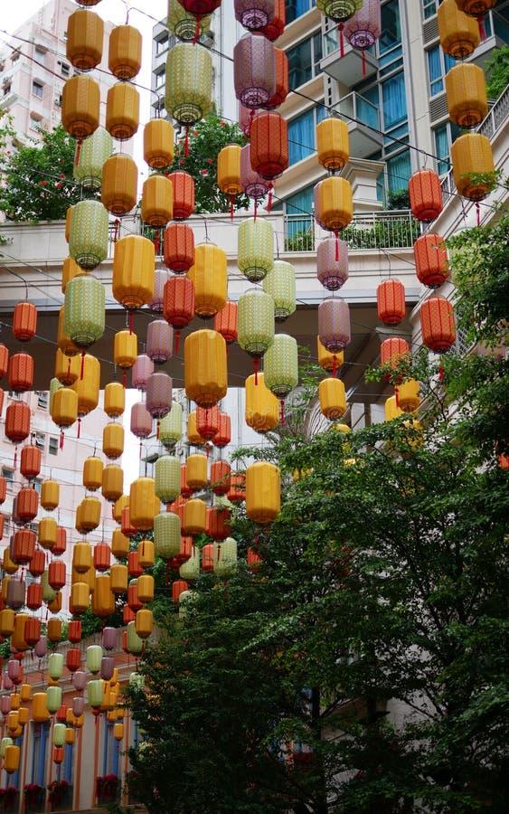 Färgrik lampa i HK royaltyfri bild