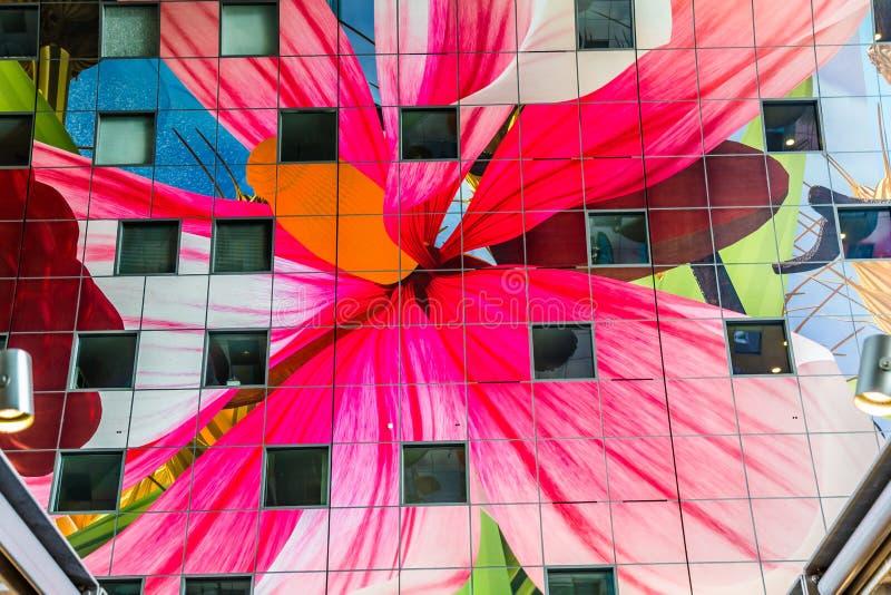 Färgrik marknad Hal i Rotterdam Holland royaltyfria foton