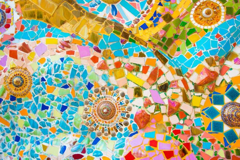 färgrik mosaikvägg royaltyfri bild