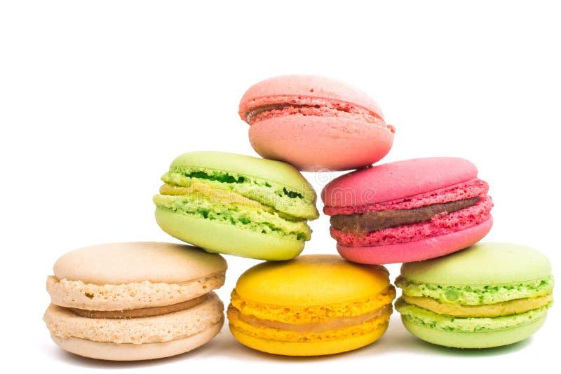 Färgrik och smaklig franska Macarons arkivbilder