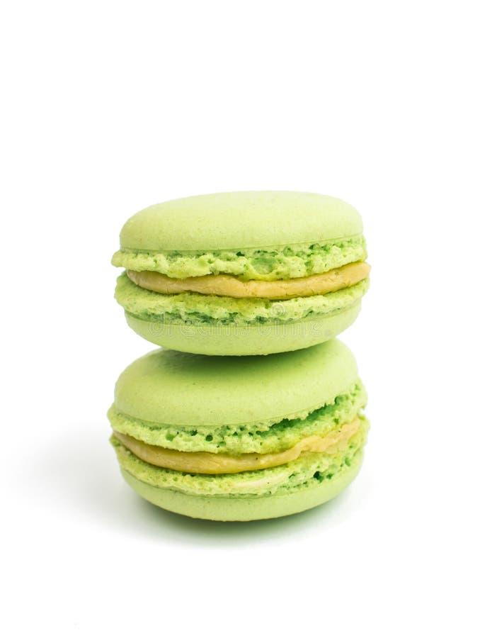 Färgrik och smaklig franska Macarons royaltyfri bild