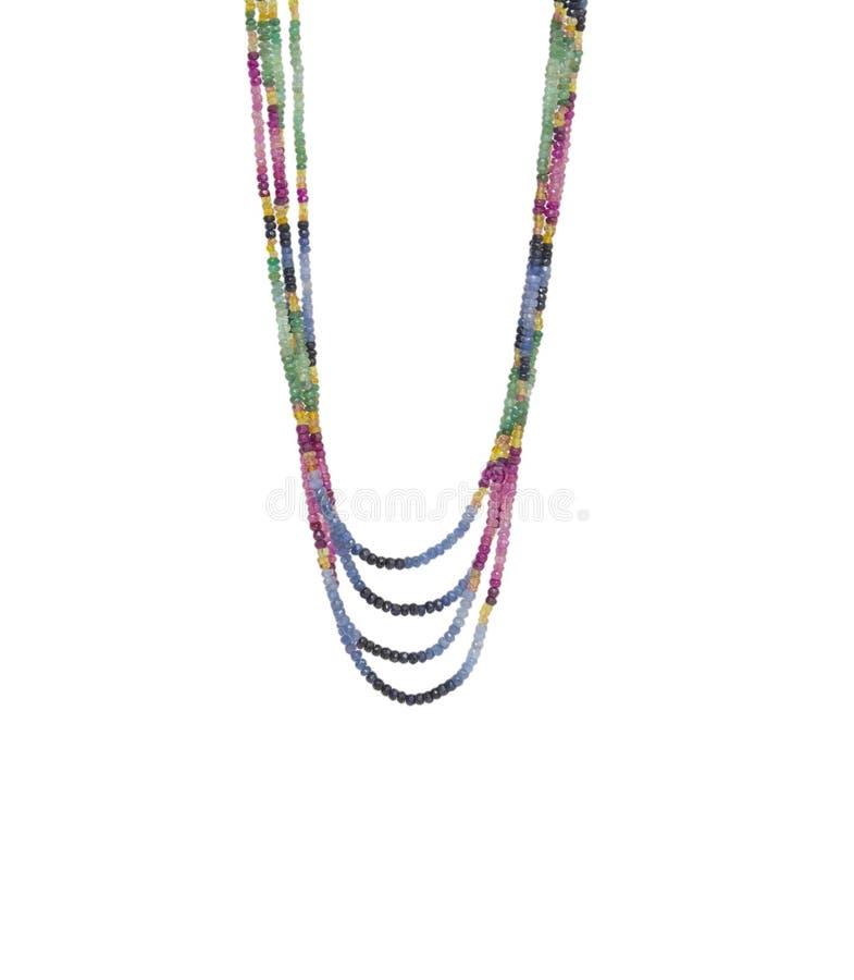 Färgrik pärlhalsband som isoleras på vit bakgrund royaltyfri foto