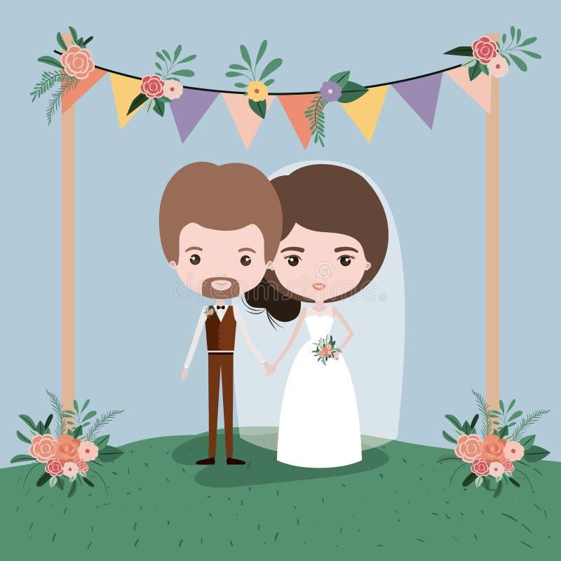 Färgrik plats med dekorativa flaggor och gräs med blom- prydnader i träpoler med par av precis gift under- royaltyfri illustrationer