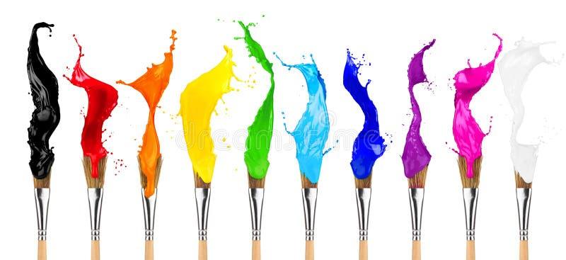 Färgrik rad för färgfärgstänkmålarpensel arkivbild