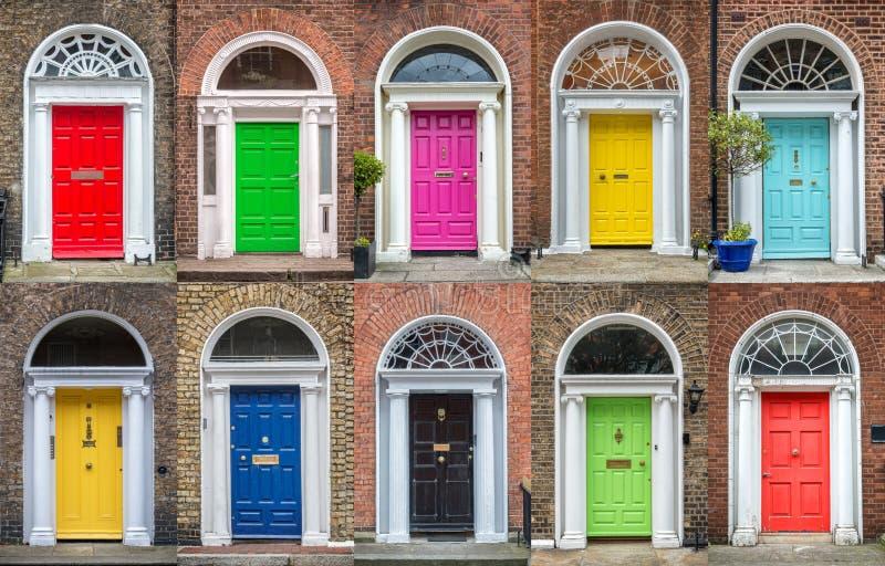 Färgrik samling av dörrar i Dublin Ireland arkivbild
