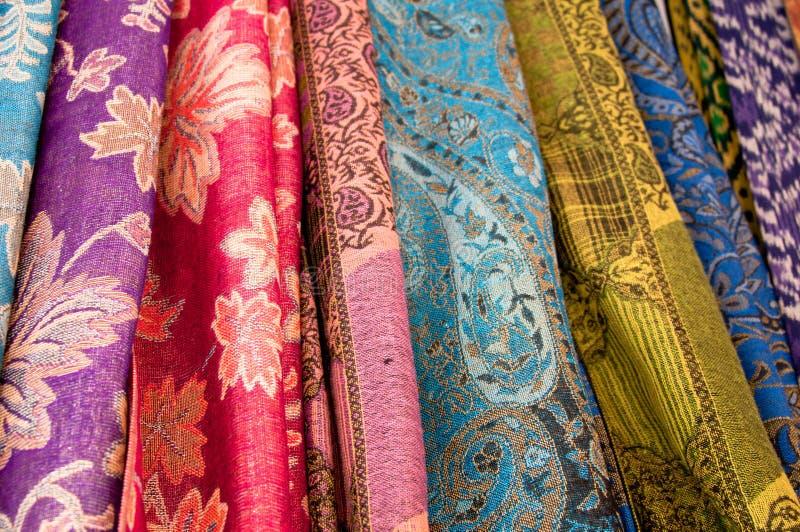 färgrik sarong arkivfoto