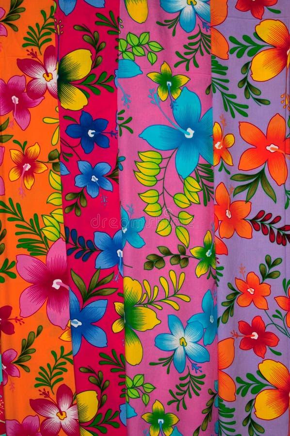 färgrik sarong royaltyfri bild
