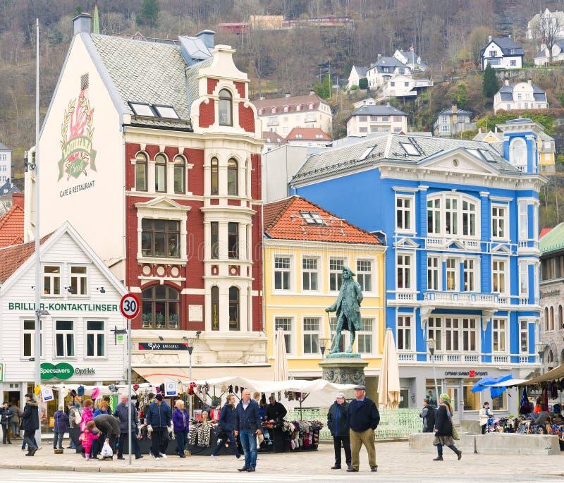 Färgrik shoppingPlaza, Bergen Norway arkivbild