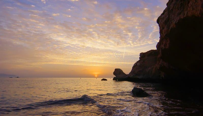 färgrik solnedgång royaltyfria bilder