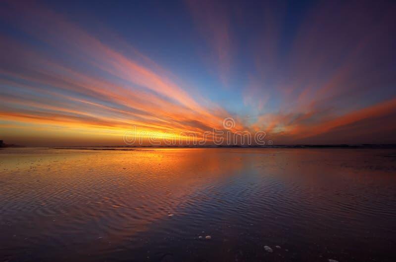 färgrik solnedgång royaltyfri fotografi