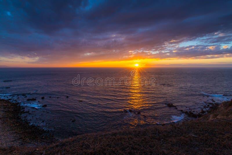Färgrik solnedgång på punkt Vicente arkivfoton