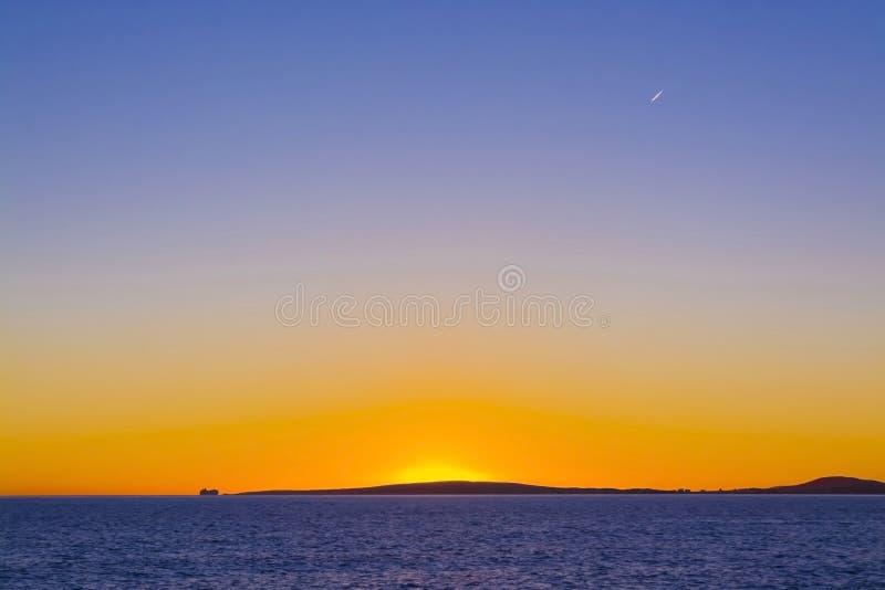 Färgrik solnedgångtrafik fotografering för bildbyråer