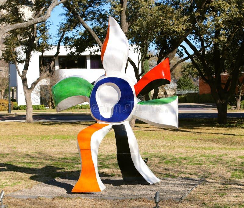 Färgrik staty på Kimball Art Museum Fort Worth, Texas arkivfoton