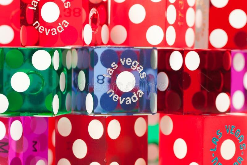 färgrik tärning Las Vegas arkivfoton