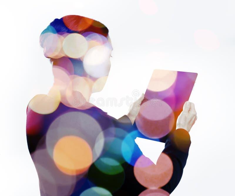 färgrik teknologi arkivfoton