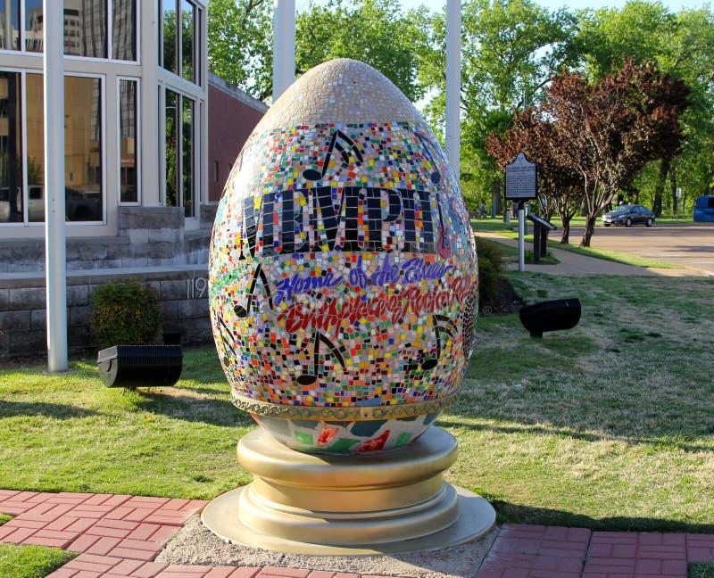 Färgrik välkomnande till Memphis Faberge Egg arkivfoto