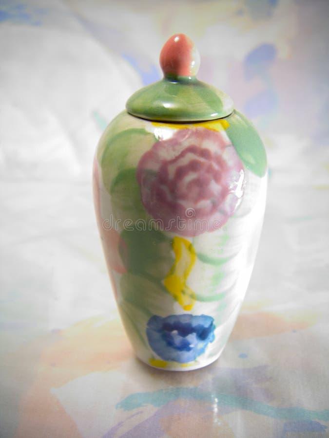 färgrik vase royaltyfria bilder