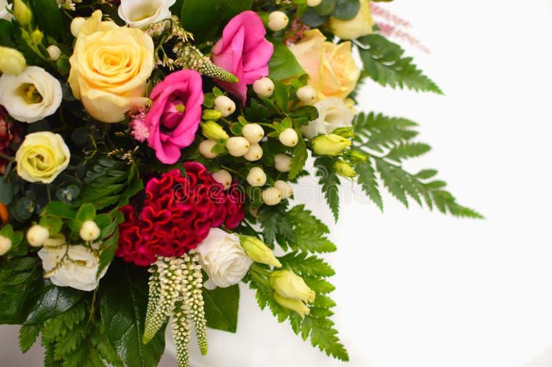 Färgrika blommor för härlig bukettblandning fotografering för bildbyråer