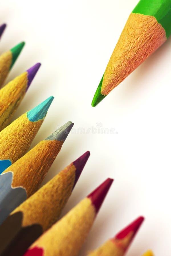 Färgrika blyertspennor royaltyfria foton