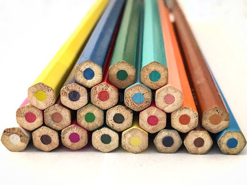färgrika blyertspennor royaltyfria bilder