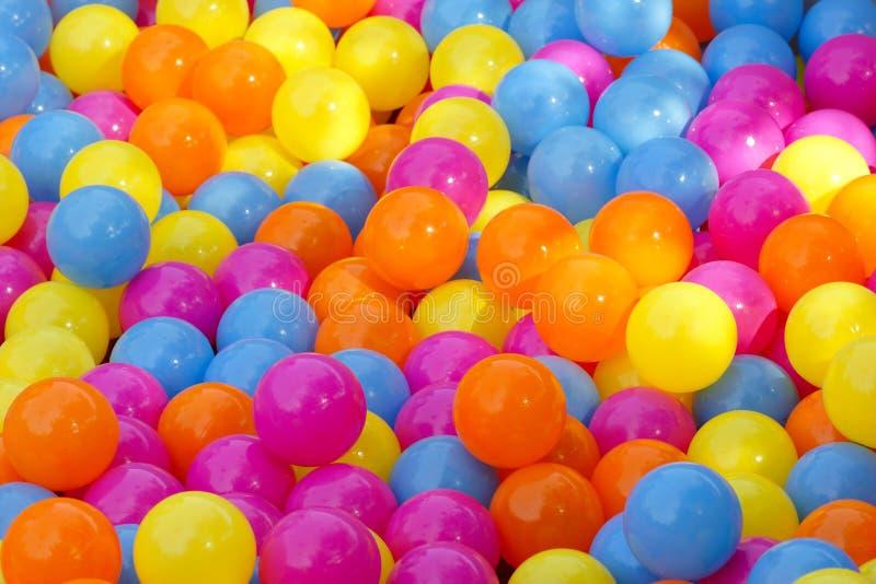 färgrika bollar royaltyfri foto