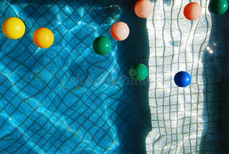 färgrika bollar royaltyfria bilder