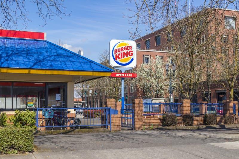 Färgrika Burger King Restaurant royaltyfri foto
