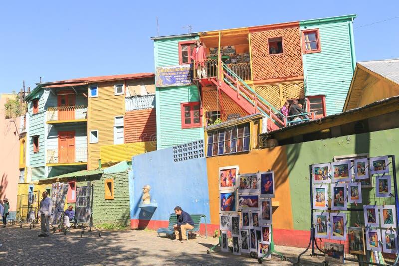 Färgrika byggnader, La Boca i Buenos Aires royaltyfria bilder