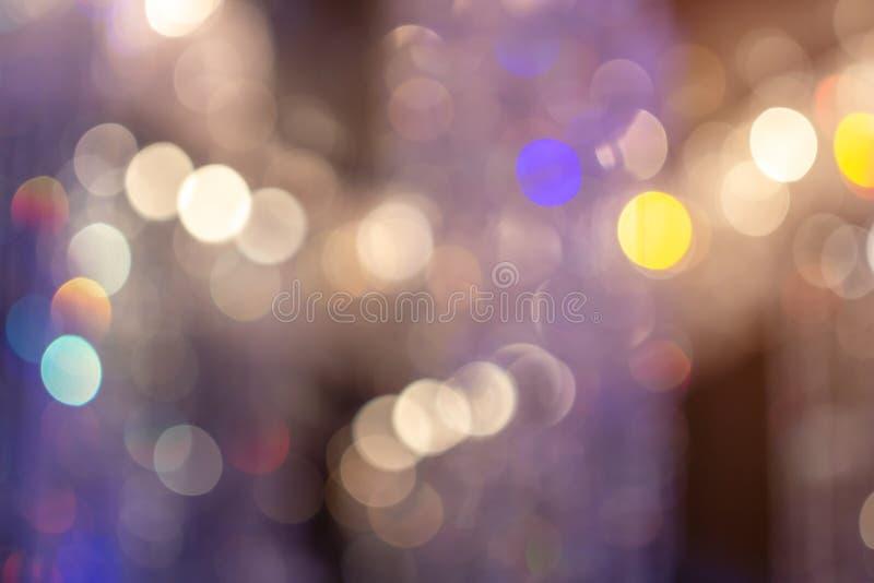 Färgrika cirklar av ljusabstrakt begreppbakgrund Selektivt fokusera royaltyfria foton