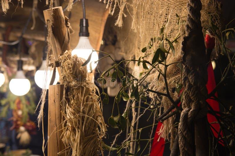 Färgrika för slut detaljer upp av ganska marknad för jul med sugrör, M royaltyfria foton