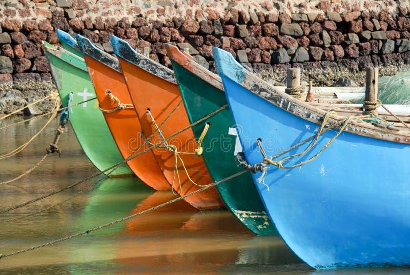 färgrika fartyg royaltyfri foto