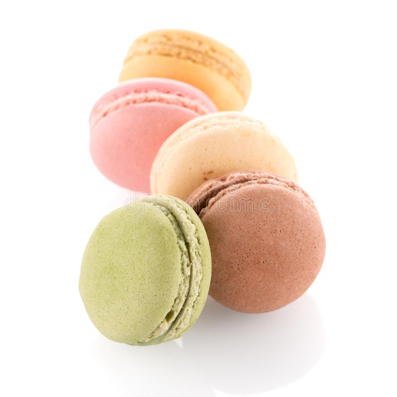 färgrika franska macarons royaltyfria bilder