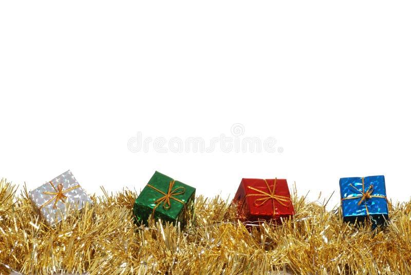 färgrika girlandpresents för jul arkivbilder