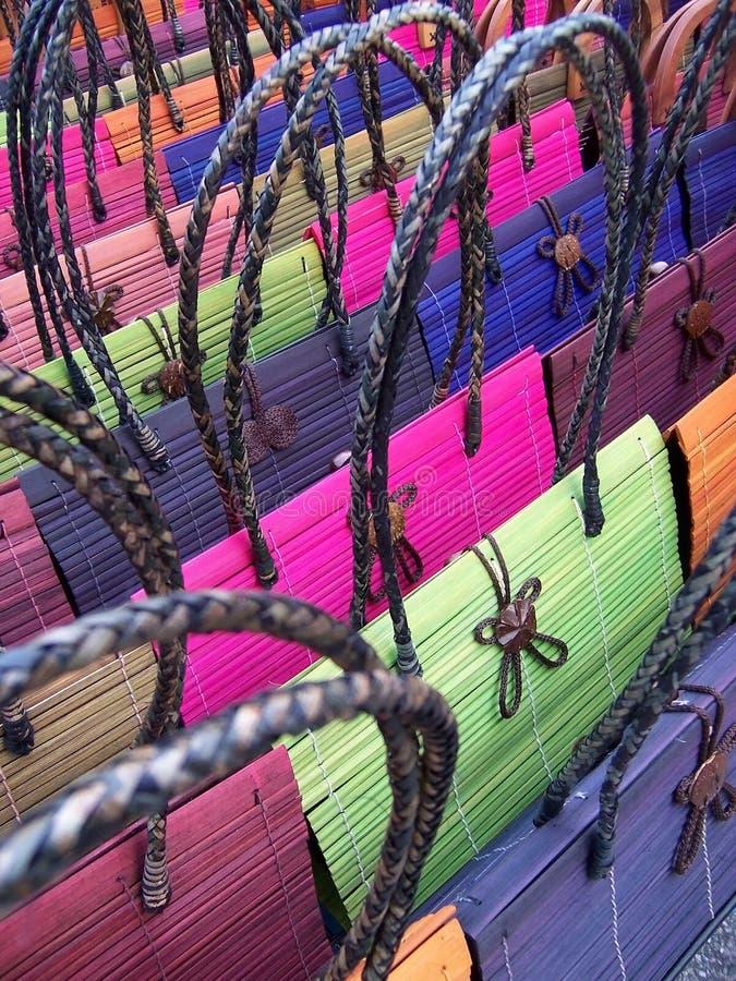 färgrika handväskor för abstrakt bakgrund arkivfoto