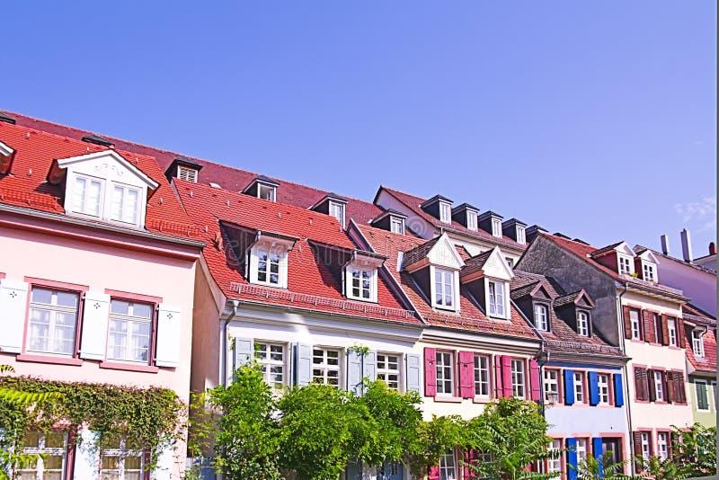 färgrika heidelberg hus arkivbild