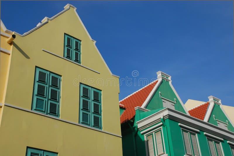 Färgrika hus i Curacao royaltyfri bild