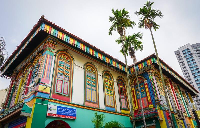 Färgrika hus i lilla Indien, Singapore fotografering för bildbyråer