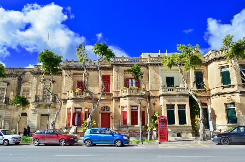Färgrika hus i Malta arkivbild