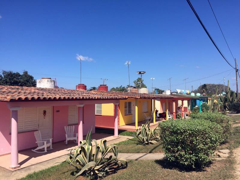 Färgrika hus i Vinales royaltyfria foton