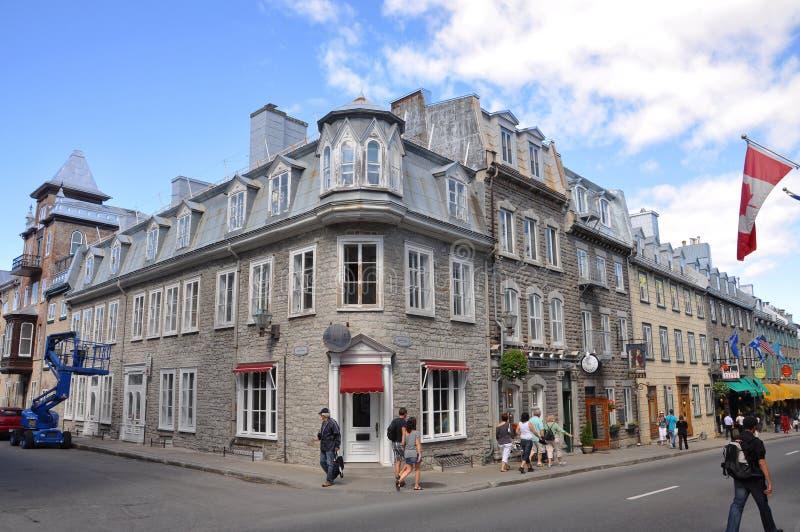 Färgrika hus på ruen St Louis, Quebec City royaltyfria foton